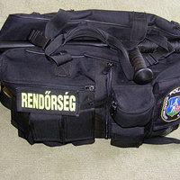 Egyénileg átalakított táska rendőrjárőrök számára