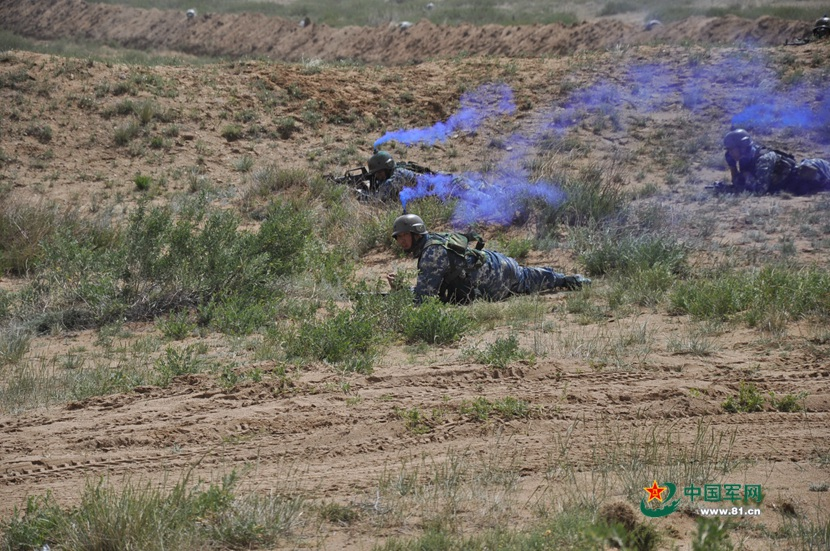 1433669670-militaire-00011-2015-06-05-2015.jpg