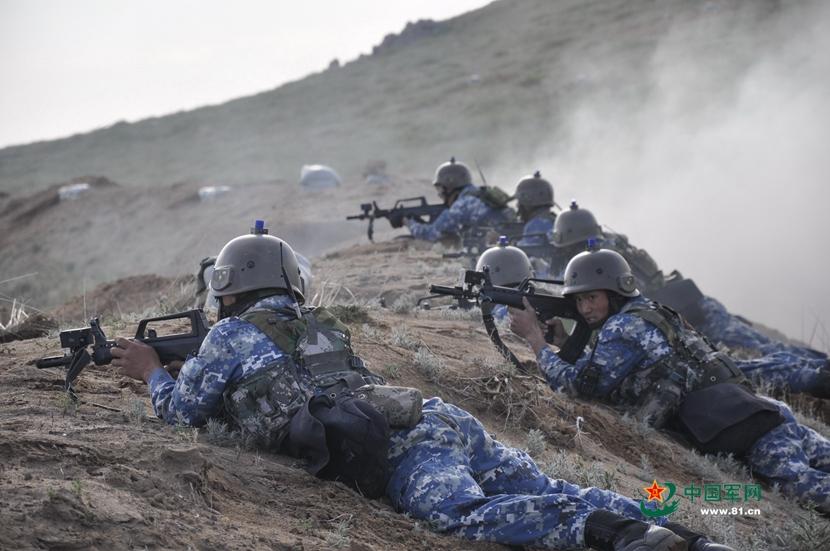 1433669671-militaire-00013-2015-06-05-2015.jpg