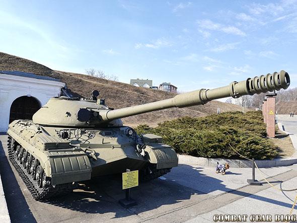 https://m.blog.hu/co/combatgear/image/egy%C3%A9b/harckocsik_kijevben/img_20190303_124048.jpg
