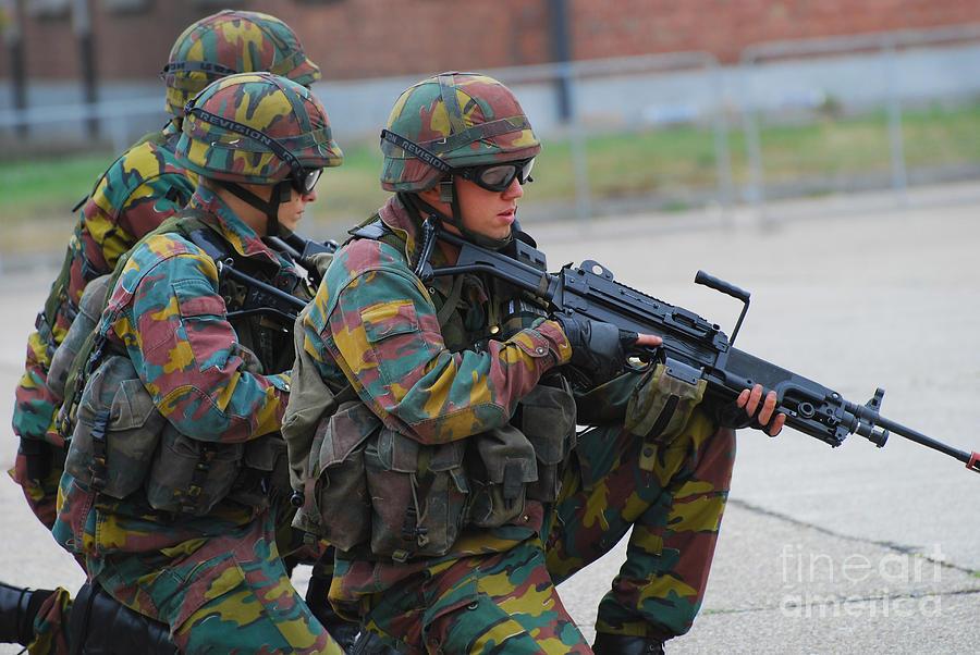 belgian-infantry-soldiers-in-training-luc-de-jaeger.jpg