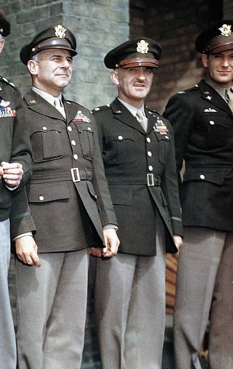 800px-us_army_wwii_officer_pinks_and_greens_uniform.jpg