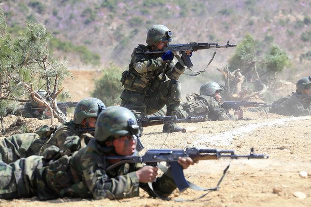 north-korea-kim-jong-un-special-forces-donald-trump-ww3-fears-exercises-905483.jpg