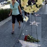 Hollywood is gyászolja Jockey Ewingot