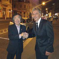 Bochkor közös fotót posztolt a japán karmesterrel, nem kellett volna