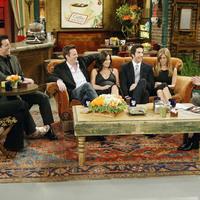 A Jóbarátok színészei még tizenöt év után is hülyére keresik magukat a sorozattal