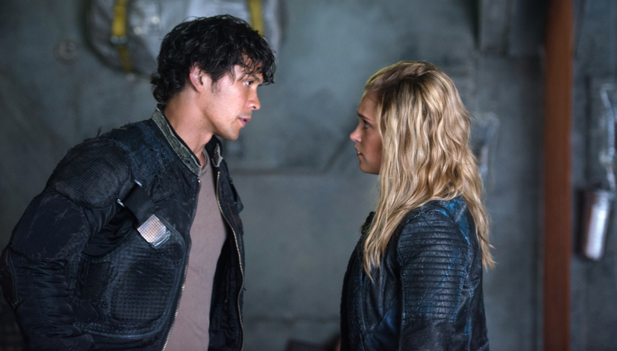 bellamy-blake-and-clarke-griffin-in-the-100-season-4.png