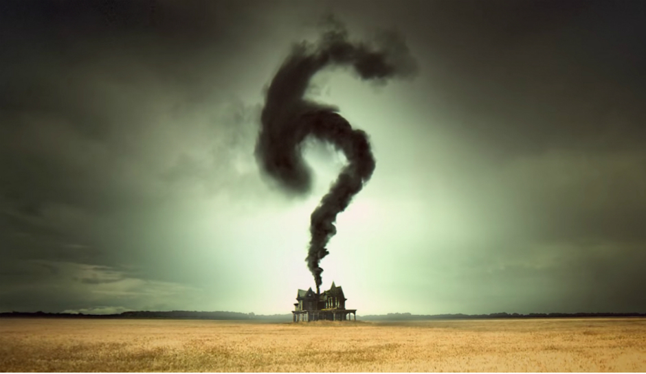 fxs-american-horror-story-season-6-promo-pic-house-with-smoke-1.jpg