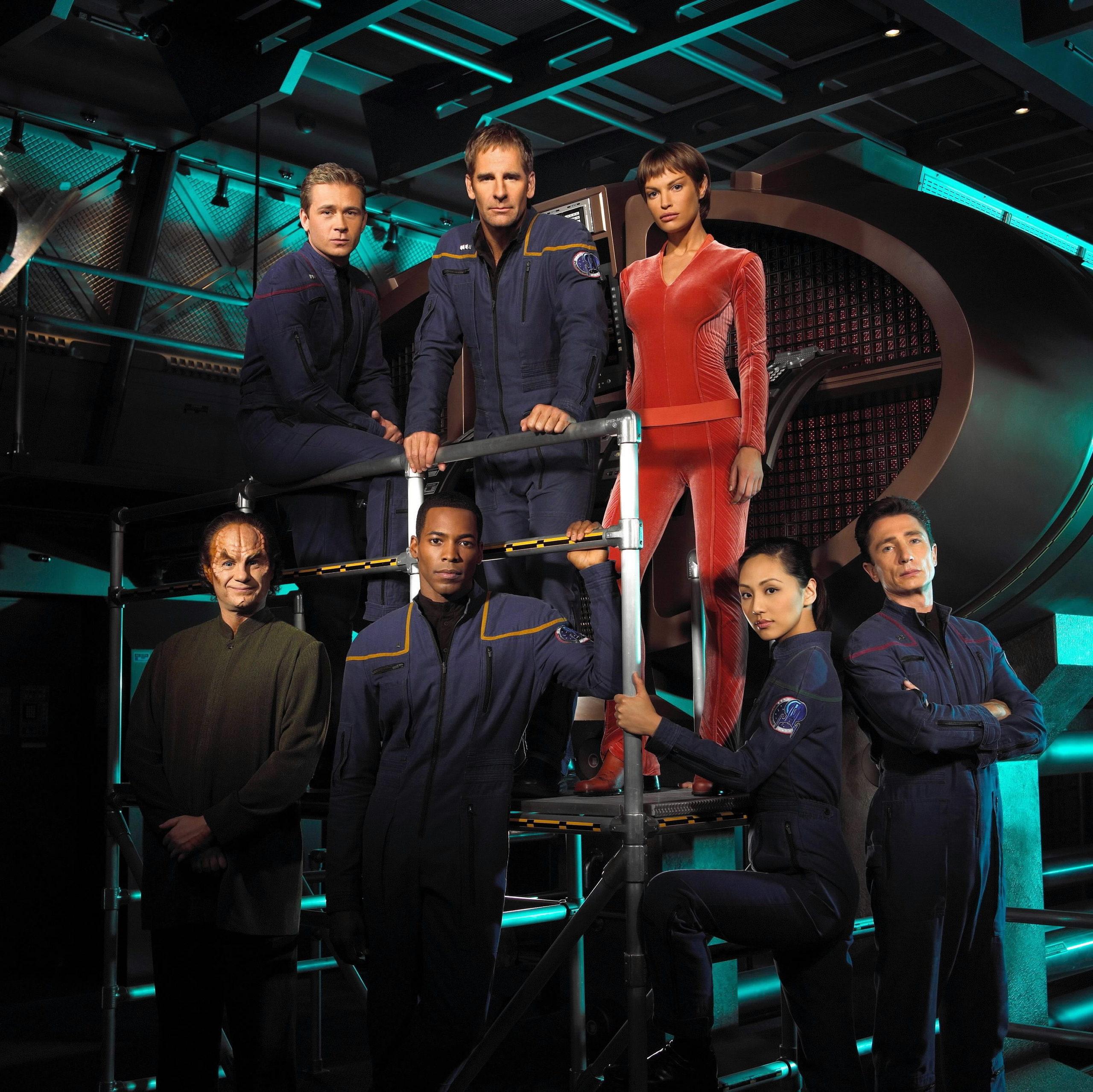 star-trek-enterprise-cast-star-trek-enterprise-7651373-2560-2559_1.jpg