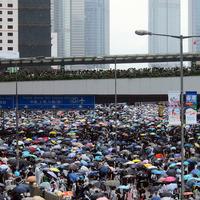 Hongkong: üres szállodák, menekülő tőke, recesszió