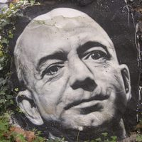 Jeff Bezos duplázása és a focikapus-infláció