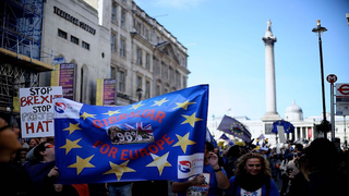 Brexit – kiben mi lakik?