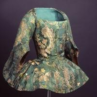 Caraco, egy praktikus kabátka a XVIII.században