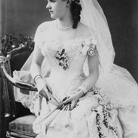 Milyen volt a menyasszonyi ruha divat a XIX.században?