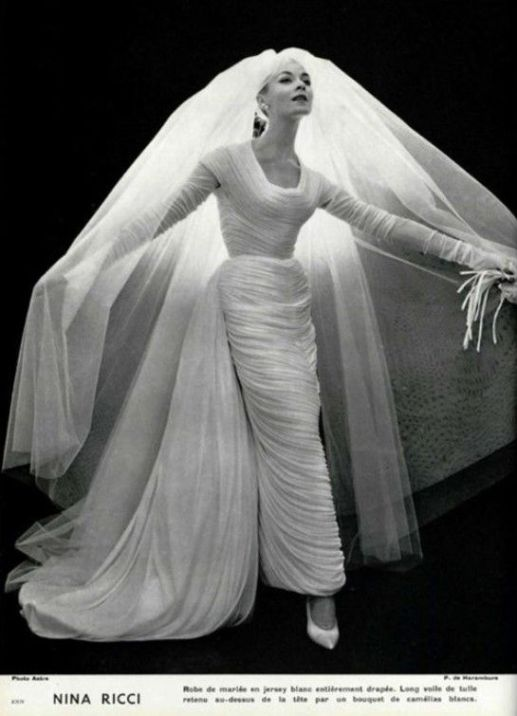 80-beautiful-vintage-haute-couture-wedding-dresses-7.jpg
