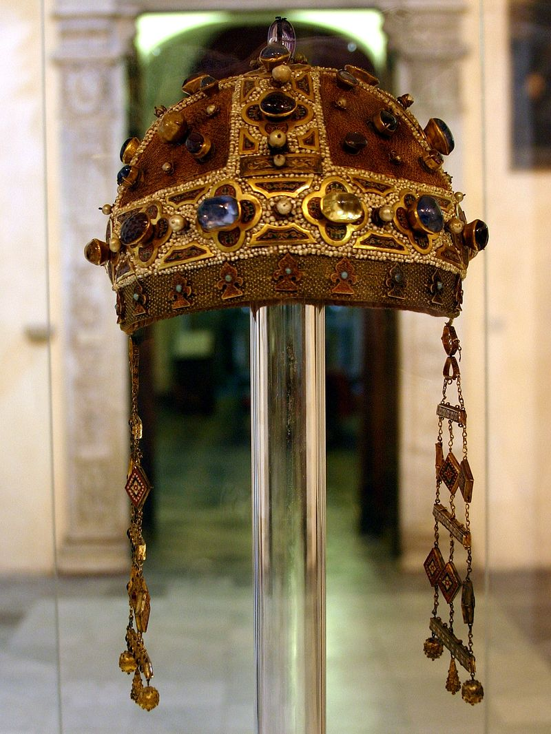 800px-crown_of_constance_of_aragon_cathedral_of_palermo_italy_2015.JPG