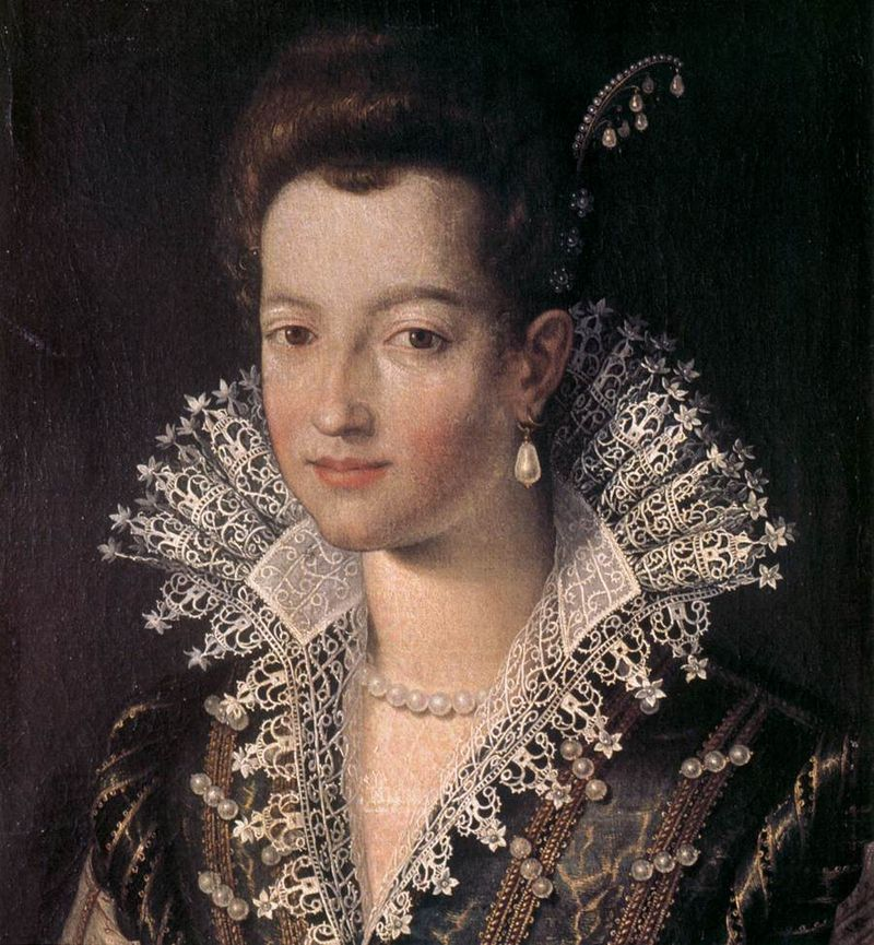800px-santi_di_tito_portrait_of_the_young_maria_de_medici_wga22719_1.jpg
