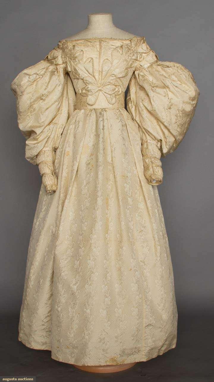 brocade_wedding_gown_1830s_augusta_auctions.jpg