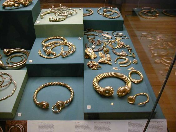 celtictorqsbritishmuseum.jpg