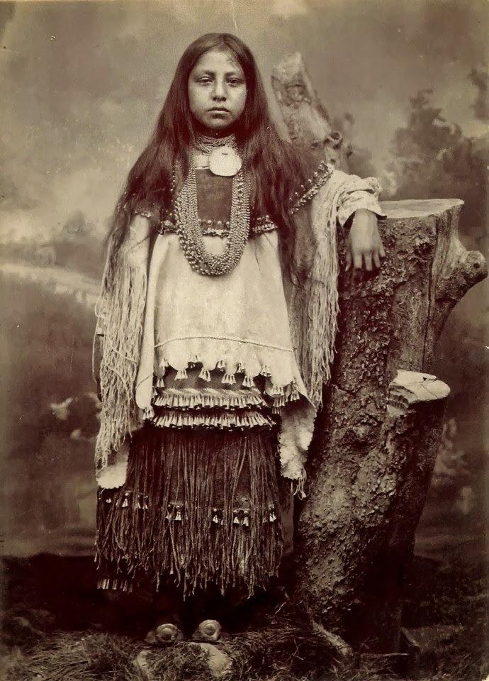 chiricahua_apache-indians-girl-clothingforrasindianspictures_blogspot_hu.jpg