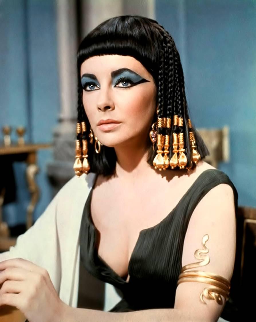 cleopatra-1963-elizabeth-taylor-16282208-894-1124.jpg