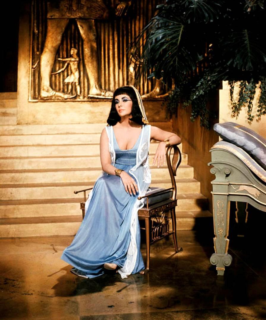 cleopatra-1963-elizabeth-taylor-16282209-895-1079.jpg