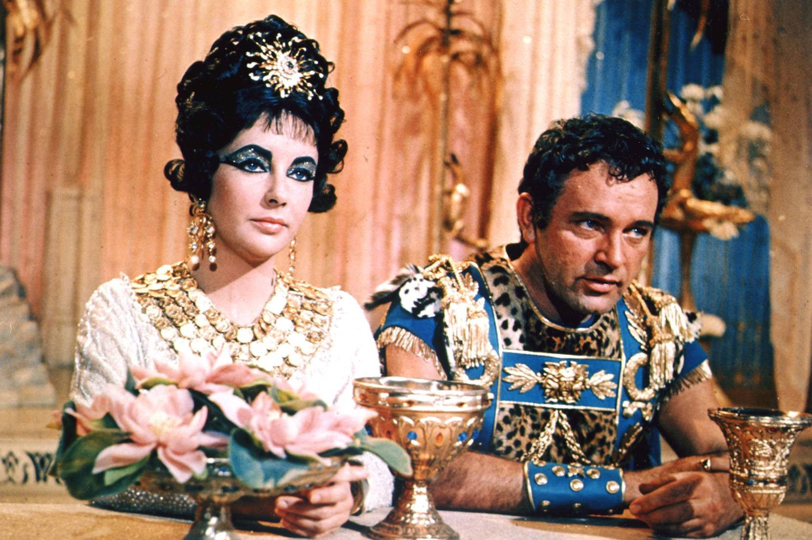 cleopatra-1963-elizabeth-taylor-16282265-1662-1107.jpg