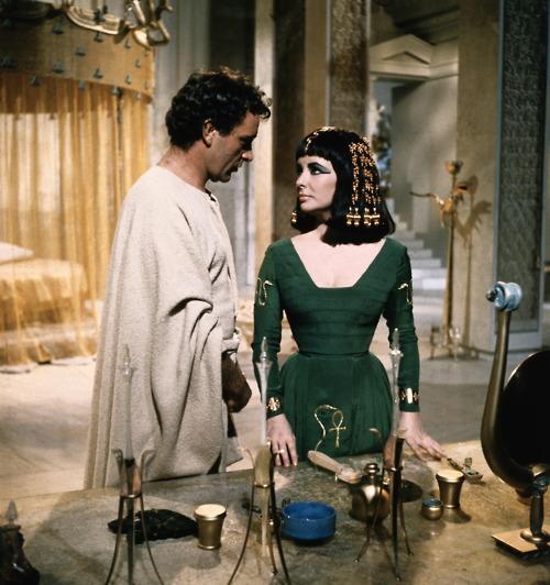 cleopatra-cleopatra-1963-30460762-500-532.jpg