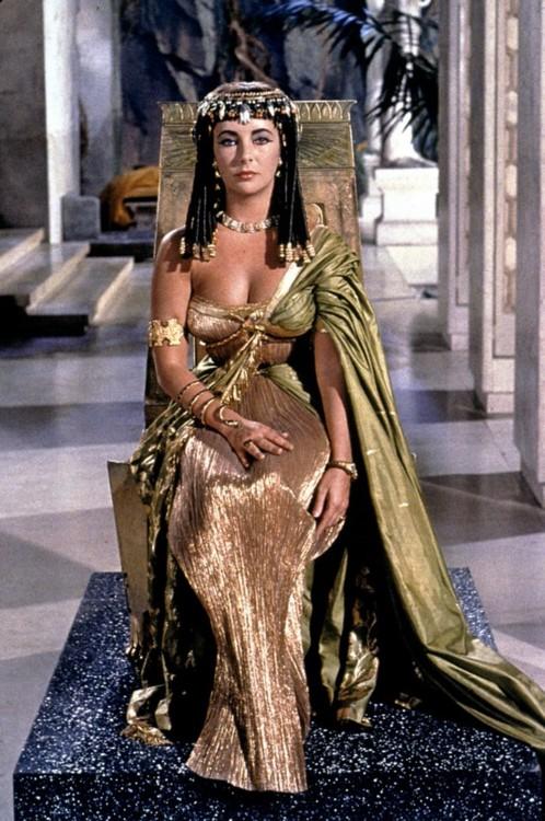 cleopatra-cleopatra-1963-30461269-498-750.jpg