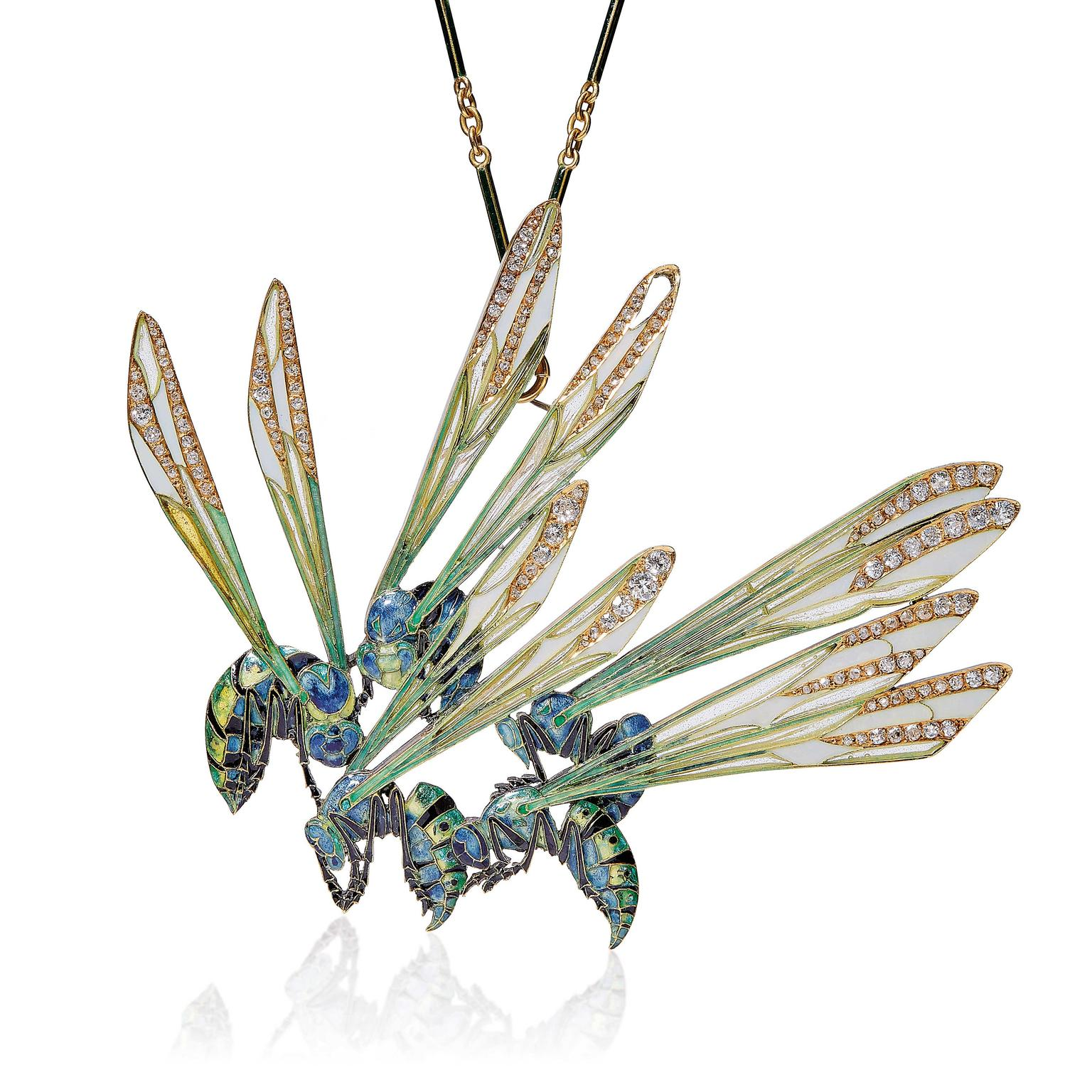 lot-44-art-nouveau-wasp-pendant-by-rene-lalique1905.jpg