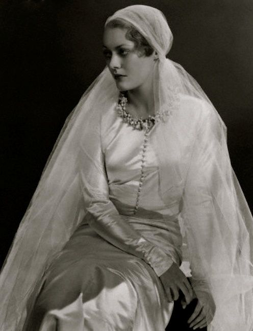 marina_princess_dmitri_in_a_chanel_wedding_dress1932.jpg
