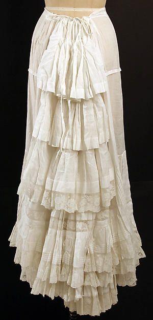 petticoat1880sthemet.jpg
