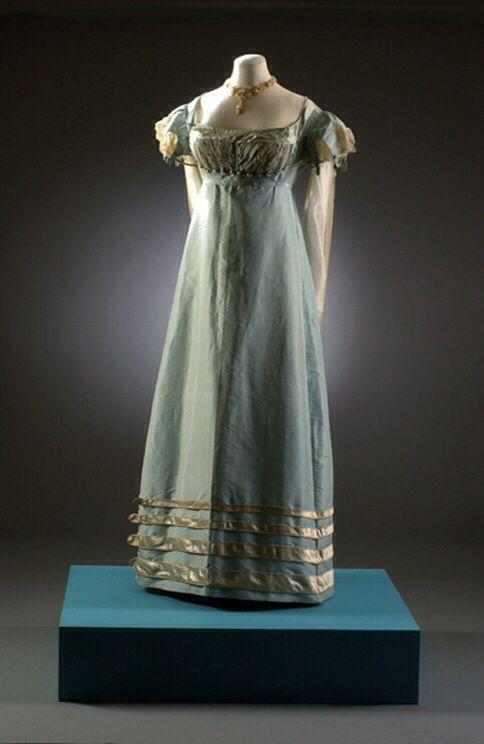 regencydress1817-1821museumbath.jpg