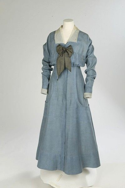seaside_dress_of_linen_with_silk_organzasilk_twill_bowenglish_1912-1914.jpg