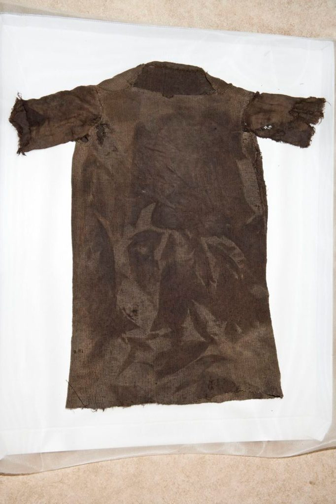 the_iron_age_tunic_from_lendbreen_after_conservationphoto_m_rten_teigenmuseum_of_cultural_history.jpg