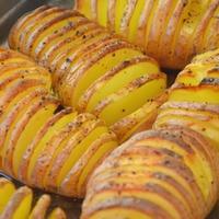 Fűszeres harmonika krumpli sütőben