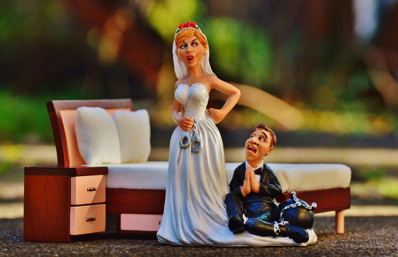 bride-and-groom-1125873_1280.jpg