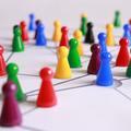 Van valami, ami közös a járványokban és a szervezetek működésében
