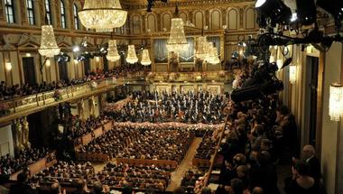 Az Aranyterem múltjának árnyéka ellenére is tündököl – avagy a bécsi újévi koncert története
