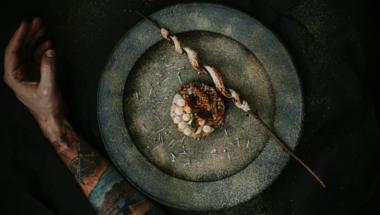 Kézműves helyi termelők és magas kategóriájú éttermek együttműködése - Fenntarthatóság a fine diningban Farkas Ricsi szemszögéből