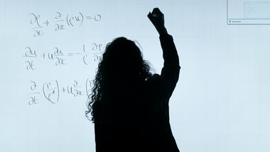 Hogyan ne utáljuk meg a matekot? - Farkas-Kis Máté kutató szerint főleg a tanítási módszereken kellene változtatni