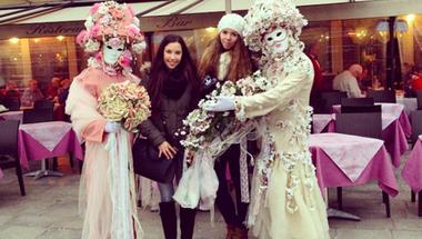 Színház az egész világ - Maszkok, édességek és turisták a velencei karneválon