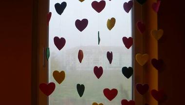 Függöny, szívből!