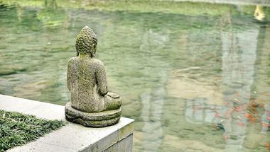 Buddhista közgazdaságtan: potenciális közgazdaságtani berendezkedés vagy csak eszmetologatás?