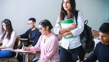 Mikor éri meg jelentkezni doktori képzésre? 5 tipp a legjobb döntéshez