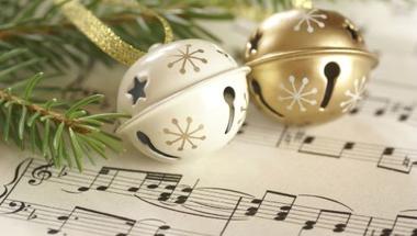 Ahány ház, annyi szokás, mégis ugyanazok a dallamok csendülnek fel karácsonykor a világ minden táján
