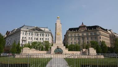 Szabadság tér, avagy a magyar szarkazmus nagysága