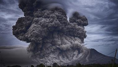 A vulkanológus, aki húszezer ember életét mentette meg