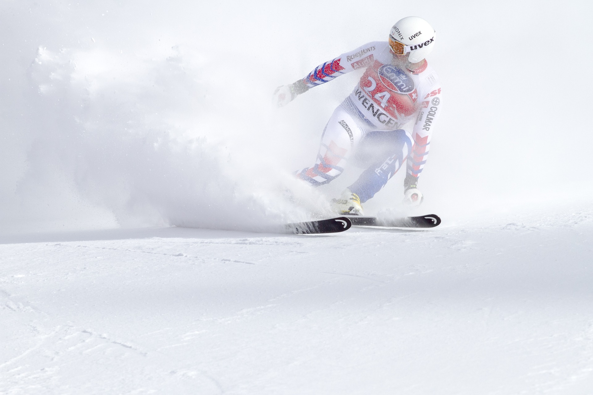 ski-race-2246889_1920.jpg