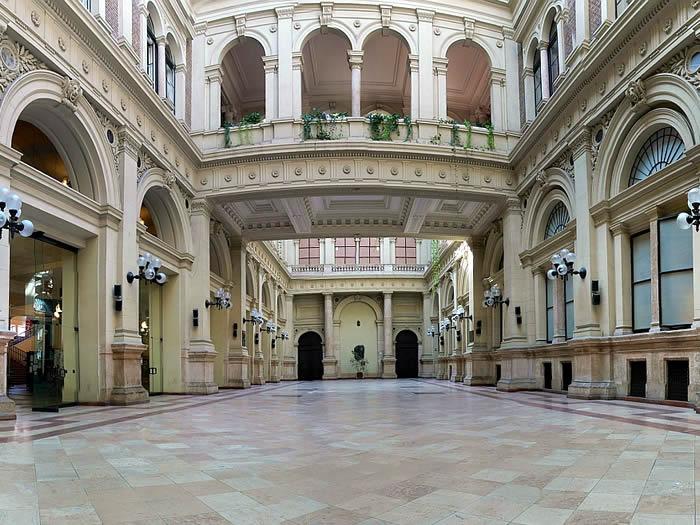 universidad_corvinus_budapest.jpg
